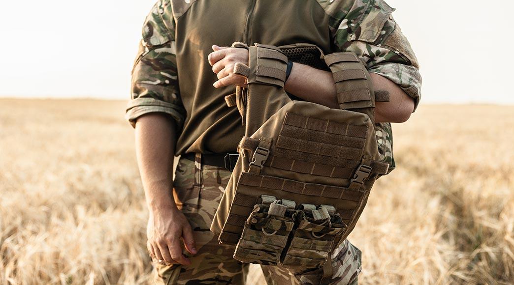 Bekleidung und Schutzausrüstung